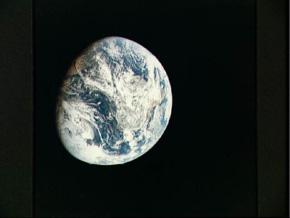 apollo8_earth