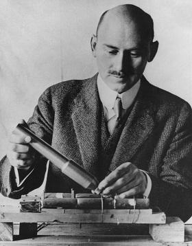 Dr._Robert_Goddard