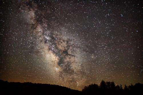 800px-Milkyway-summit-lake-wv1_-_West_Virginia_-_ForestWander