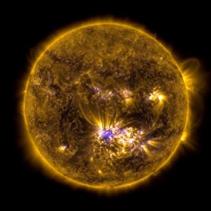 667449main_20120712-Sun-fullDisk