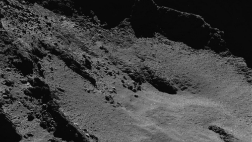 Close-up_view_of_the_comet_article_mob